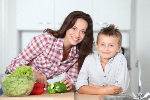 Jak zbilansować dietę dziecka i zapewnić mu prawidłowy rozwój?