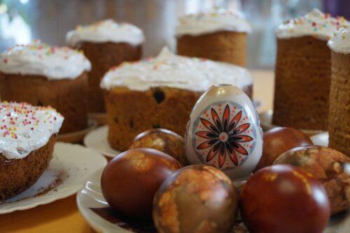 Jajka, babka i mazurek – na co uważać w Wielkanoc?