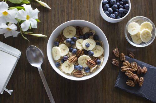Jak zadbać o zdrowe śniadanie?