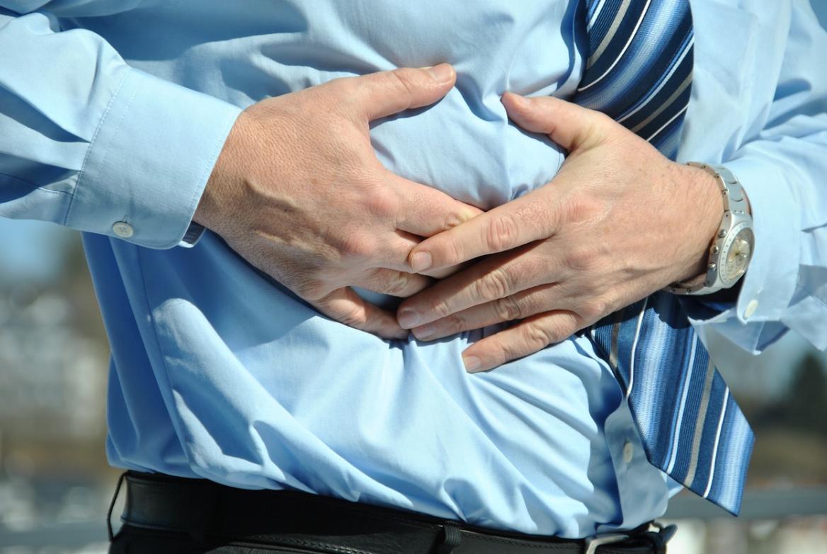 Masz częste bóle brzucha? Konieczna może być wizyta u specjalisty